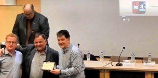 Βράβευση κου Δημητρίου Μπίτσικα προέδρου συνδέσμου παλαιών ζωγραφιωτών